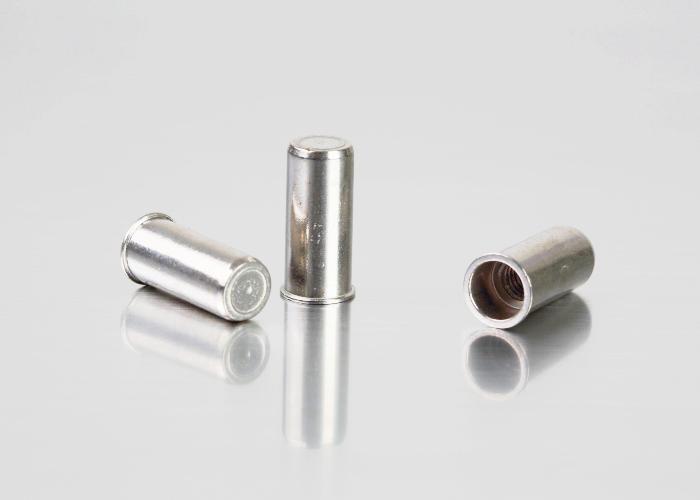 小头圆柱不锈钢铆螺母