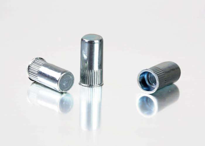 小头条纹碳钢铆螺母-美标