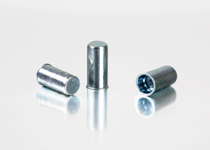 小头圆柱碳钢铆螺母