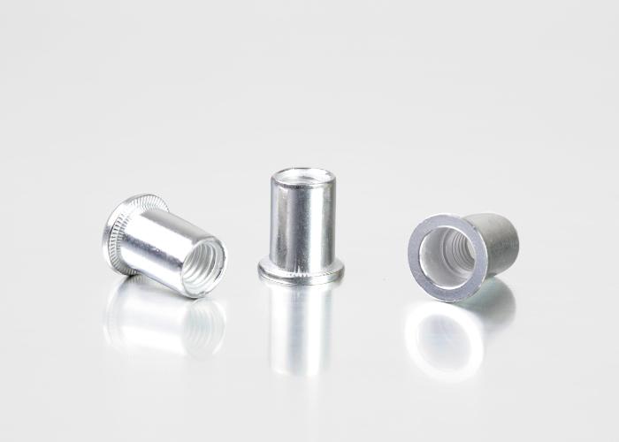 平头圆柱铝铆螺母