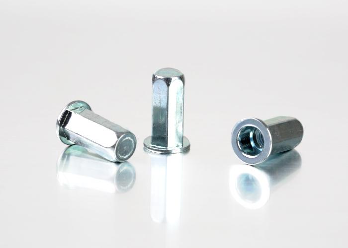 平头全六角碳钢铆螺母