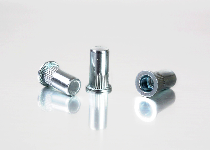平头条纹碳钢铆螺母